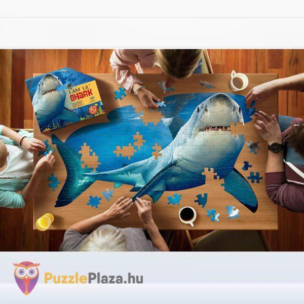 100 db-os Cápa Forma Puzzle Junior - Wow Toys kirakózás közben