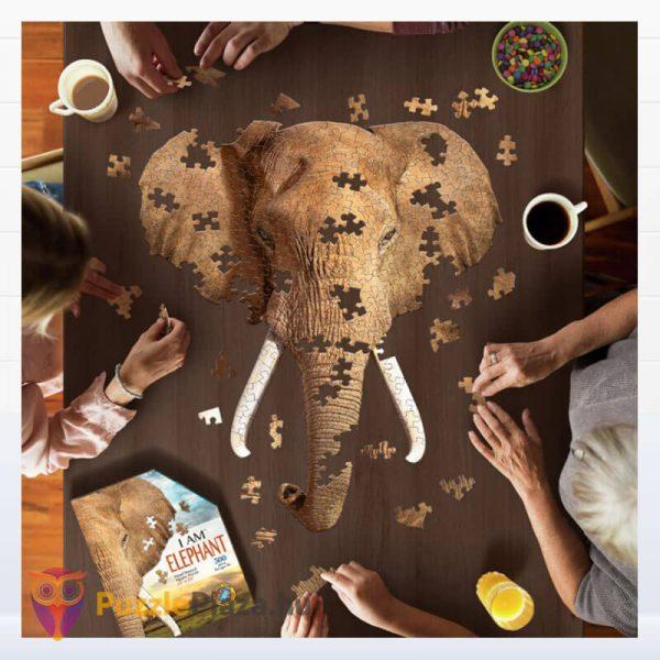 700 darabos elefánt forma puzzle, Wow Toys kirakózás közben