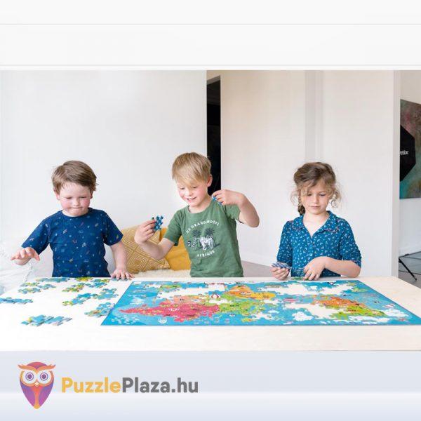 100 darabos világtérkép puzzle kirakózás közben. Scratch Europe Puzzle